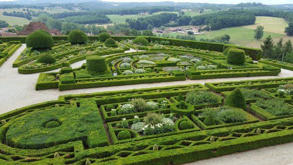 Chateau de Hautefort garden, Perigord Experience