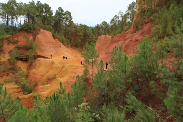 Ochre in Roussillon, Luberon Experience
